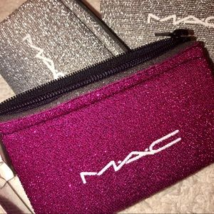 MAC Cosmetics Zip Pouch (DARK PINK) with 2 samples